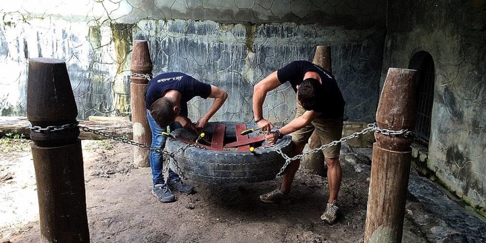 Volunteers at the Laos Wildlife Rescue Sanctuary